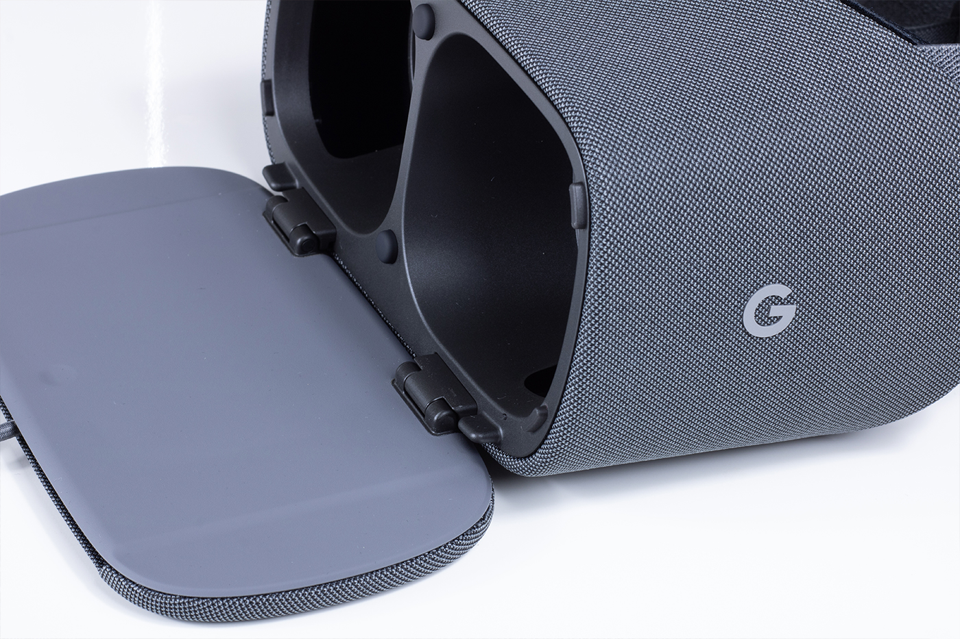 Google Daydream View Cover Open