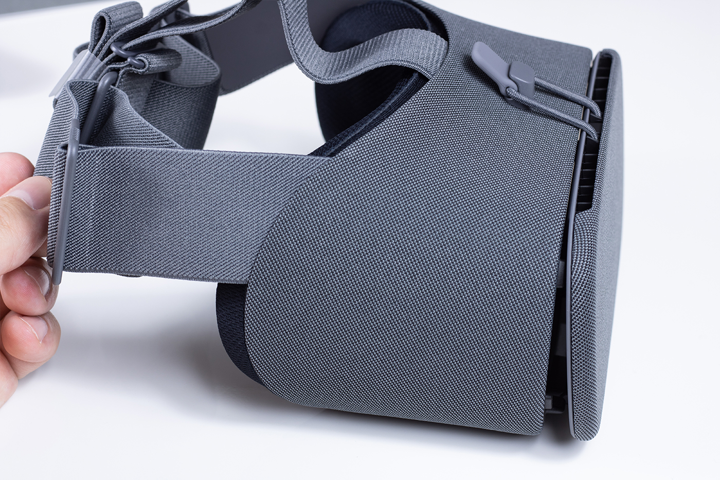 Google Daydream View Review - WhatVR